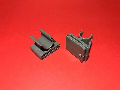 92210498 Genuine Holden New 2 x Glove Box Retaining Clips WK Statesman
