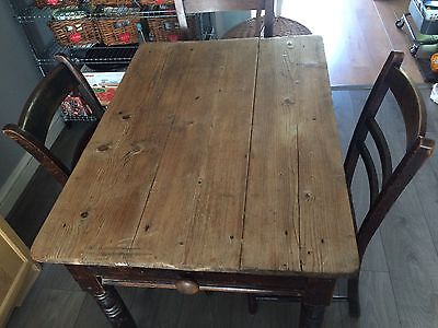Victorian Pine Dining Table (chairs are not included)