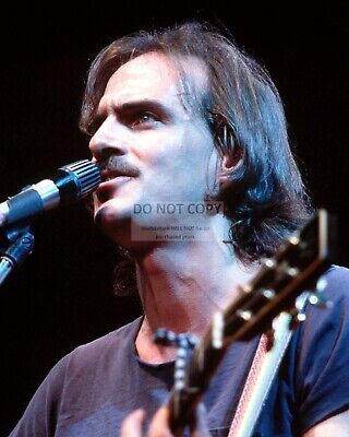 James Taylor Singer Songwriter Musician - 8X10 Publicity Photo (Fb-163)