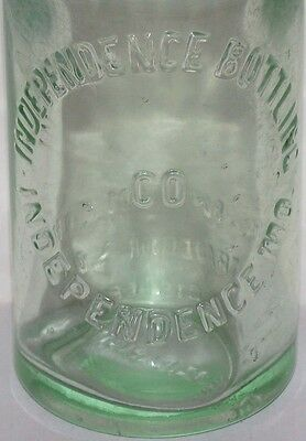 Vintage soda pop bottle INDEPENDENCE BOTTLING CO Missouri 7 1/2oz first Pollys