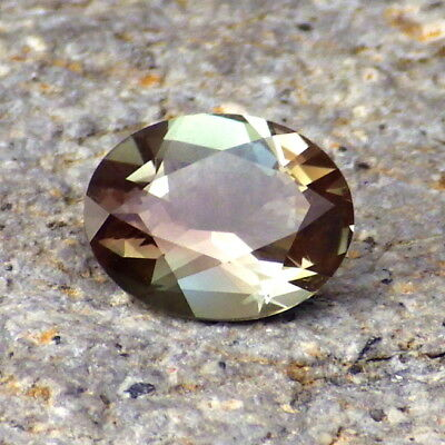 GREEN DICHROIC OREGON SUNSTONE 1.31Ct FLAWLESS-EXTREMELY RARE COLOR-FOR JEWELRY!