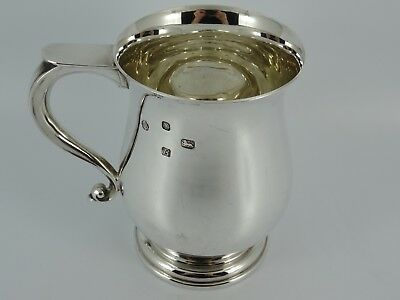 Splendid Solid Sterling Silver Plain One Pint Beer Tankard Sheffield 1976 344G