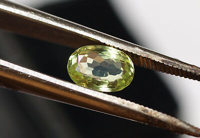 1 Chrysoberyll 1,08 ct oval facettiert 3 x 5 x 7 mm