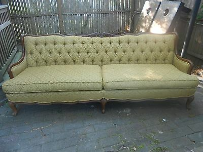 *Antique Victorian Couch* NEW PICTURES!!
