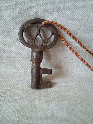 Antique Old Vintage Skeleton Barrel Iron Key Padlock, #625