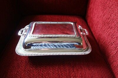 VINTAGE ELKINGTON & Co - ENGLISH SILVER PLATE TUREEN - SERVING DISH