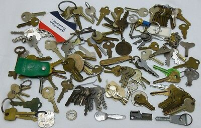 Huge Lot Of Vintage 125 Keys Home Master Flat Skeleton Luggage Clock Steampunk B