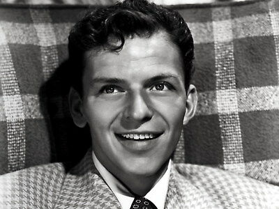 Frank Sinatra 8X10 Photo - American Singer & Movie Star - Icon - H733