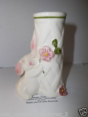 AVON 1980s White Easter Bunny Pink Flowers Lattice Flower Vase/Candle Holder
