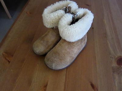 UGG taille 23,5 TBE!