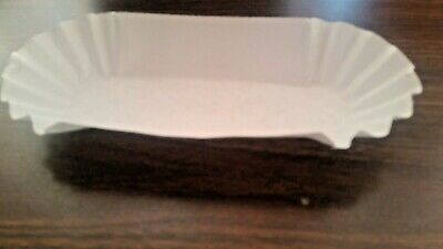 "(750 Trays) 8"" White Fluted Paper Hot Dog Tray Schools/vending Usa Made"