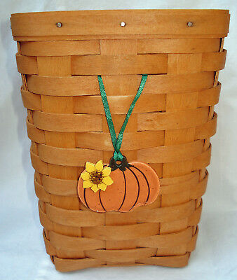 Mill Hill ceramic Halloween pumpkin basket tie-on/craft button with green ribbon