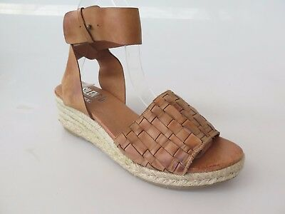 Silent D - new ladies leather sandal size 37 #40