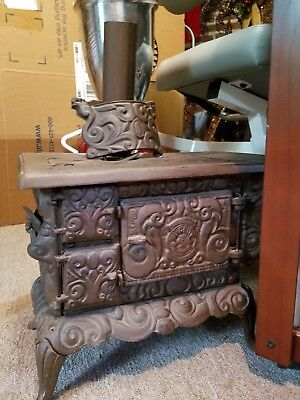 Antique Cast Iron Wood Salesman Sample Stove