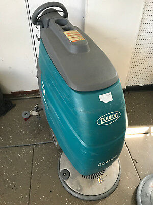 Tennant T3 - ecoH2O - Floor Scrubber Machine w/ Charger, Squeegee, Batteries