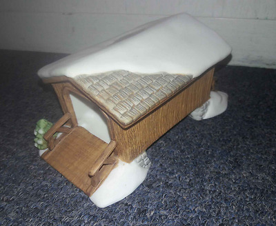 Dept 56 New England Village Covered Wooden Bridge Porcelain Holiday Collectible