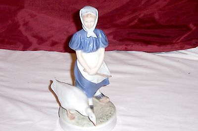 Vintage Royal Copenhagen Goose Girl #527-