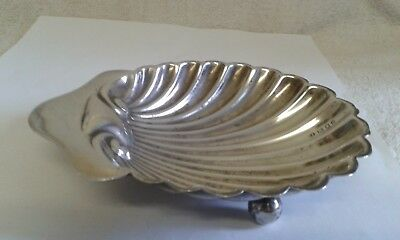 Silver 'Shell-Shaped' Butter Dish - London 1923 - 57 gms.