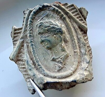 ROMAN EMPRESS BUST on LEAD DISH FRAGMENT COMPLETE !!! RARE !!!