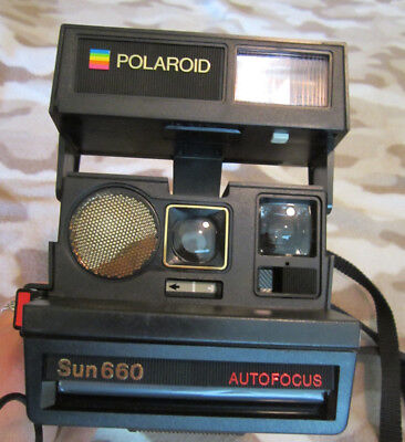Polaroid Sun 660 Instant Camera Vintage Auto Focus with box and papers