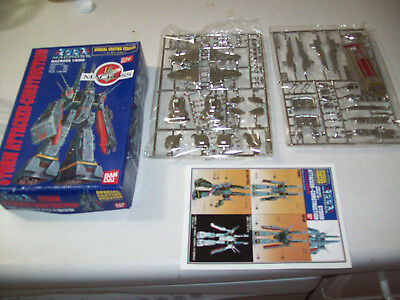 New Bandai Robotech SDF-1 Macross 15th Anniversary Storm Attacker Construction