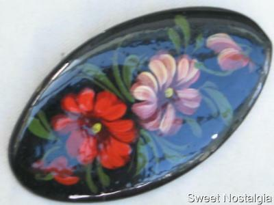 Lovely Vintage Russian Hand Painted & Laquered Red & Pink Flower Brooch On Metal