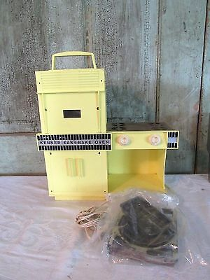 Vintage Retro Kenner Easy Bake Oven Yellow w several pans Excellent condition