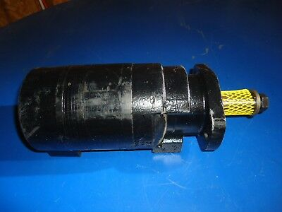 NEW OEM PARKER TG0405AB030AAAA Hydraulic Motor Manf. Date 2017