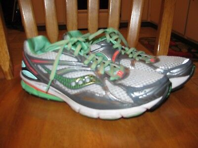 Womans Saucony Huricane sneakers size US 10
