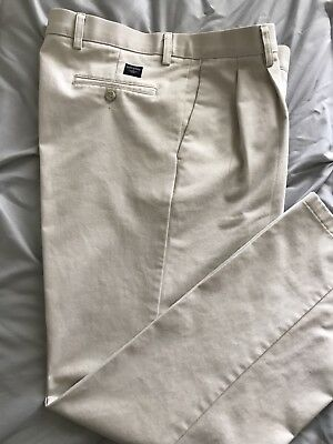 DOCKERS * Mens Khaki Pleated Classic FIT Casual Pants * Size 35x 32 * EXCELLENT