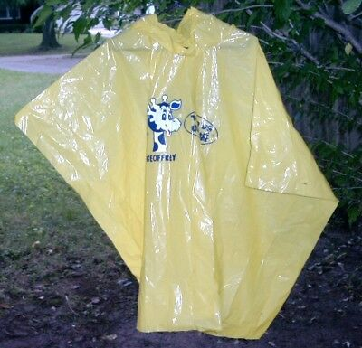 2 Vintage Geoffrey Advertising Toys R Us Adult Ponchos English / Chinese