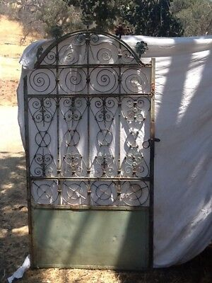 Vintage LARGE Heavy Metal Garden Fence Gate Grate Antique Architecture Salvage