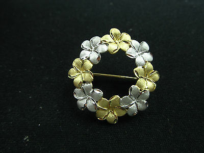 9ct 375 9k YELLOW & WHITE GOLD FLORAL WREATH BROOCH NEW 3 GRAMS PRETTY FLOWERS