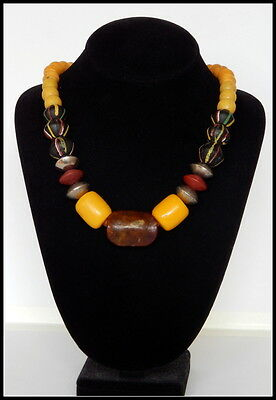 antiqique yellow trade bead necklace with ancient asian jade bead