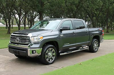 "2016 Toyota Tundra SR5 Crew Max 4WD One Owner Perfect Carfax Custom Chrome 20"" Wheels Spray in Bedliner"