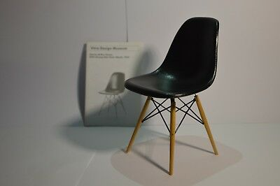Vitra Design, Miniatures Collection, Charles & Ray Eames, DSW 1950