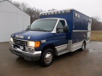 2007 Ford E-350 6.0 Liter S.d. Turbo Diesel Ambulance! One Owner! No Reserve!