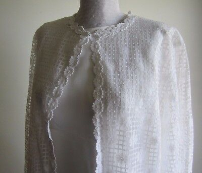 1970's vintage wedding dress with daisy detailed coat. Size M-L