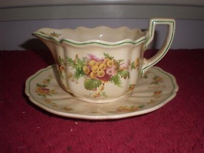 "Royal Doulton ""Wattle"" Gravy Boat & Underplate D5156 c.1940"