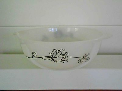 Vintage Pyrex,milk glass  'Black Rose' 28cm Cinderella Bowl good condition