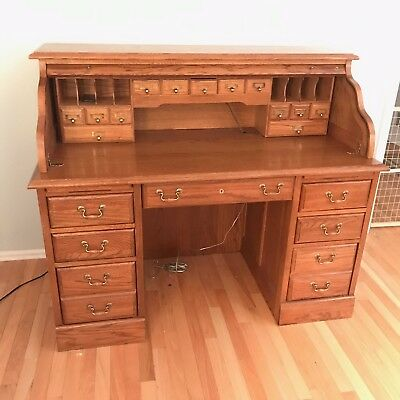 BEAUTIFUL Antique Solid Oak Roll Top Desk in Excellent Condition!