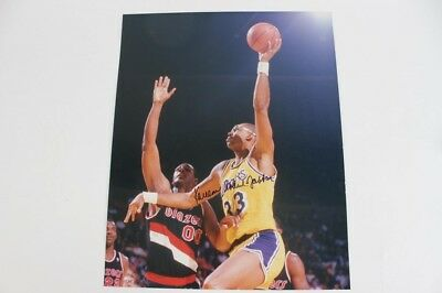 Los Angeles Lakers – Kareem Abdul-Jabbar Signed 16×20 Color Photo – JSA