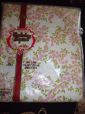 vintage linen Single bed sheets- as new- Berkley square