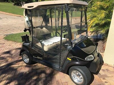 E-Z-Go Rxv Executive Golf Buggy