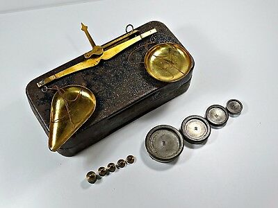 Antique our Vintage Brass Hanging Balance Scale Whit Set of Weights