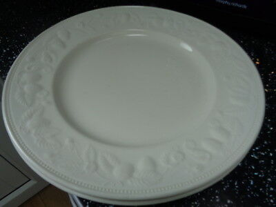 Barratts Strawberry Vine - Similar To Lincoln Large Dinner Plates X 2