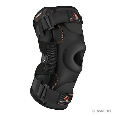 SHOCK DOCTOR Ultra Knee Support with Bilateral Hinges in Black