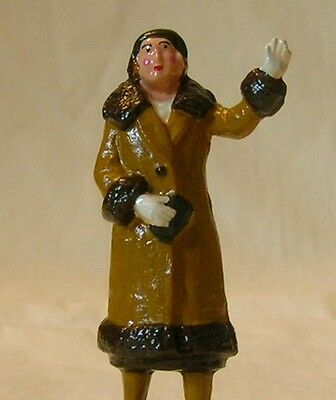 Woman Standing & Waving, Standard Gauge platform layout figure, New/Reproduction