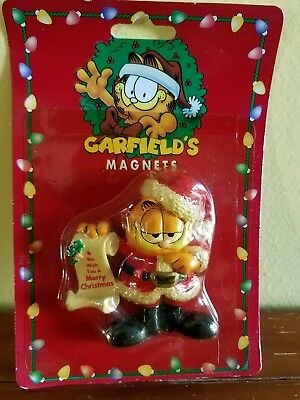garfield santa with list