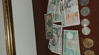 Foreign currency - Pounds, pesos and dollars plus coins - LooK!